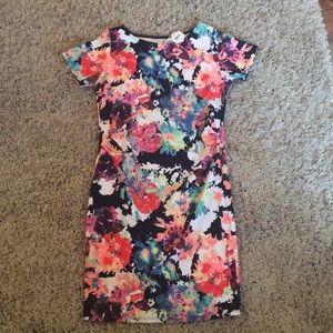 NWT floral maternity dress LG. Pinkblush brand
